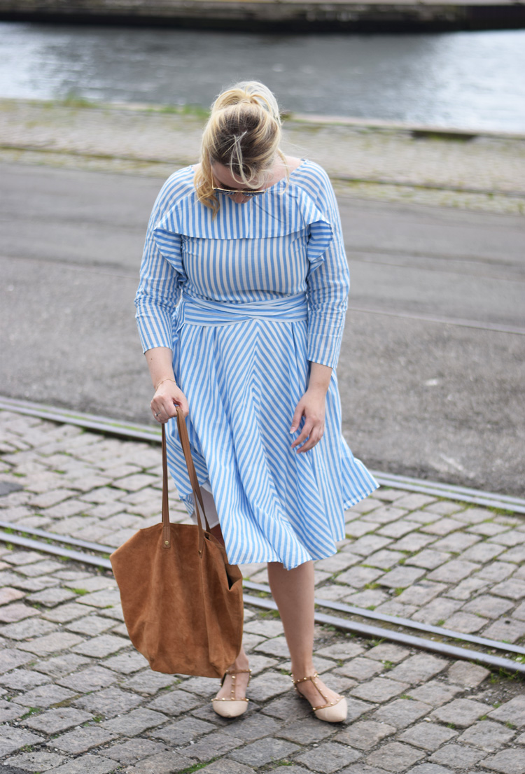 outfit-stribet-yas-missjeanett-dune-london-shoes-flats-asos-suede-tote-bag-dress