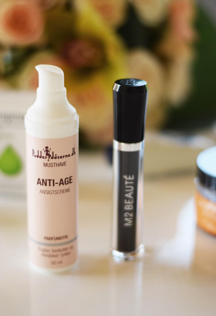 pudderdaaserne-anti-age-ansigtscreme-anmeldelse-rutine-m2-beaute-eye-lash-serum-laengere-oejenvipper