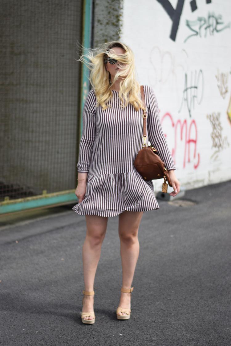 outfit-selected-femme-stribet-kjole-marc-by-marc-jacobs-bag-brown-brun-taske-asos-wedges-odense-havn