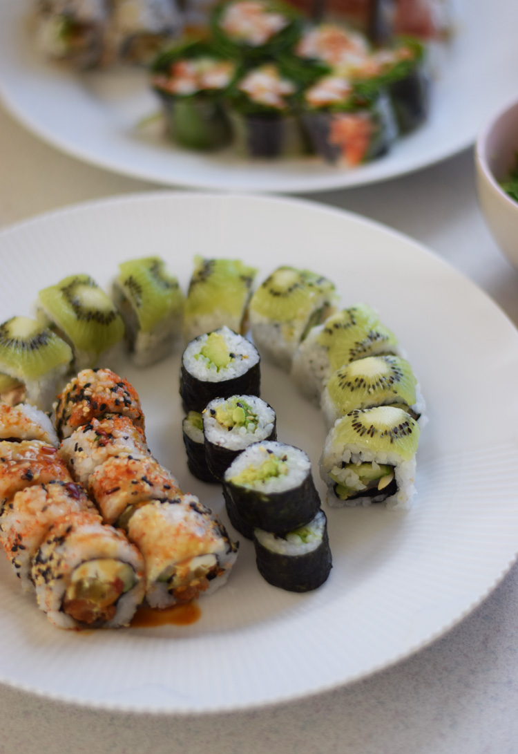 barsushi-odense-med-kiwi-kammusling-hawaii-missjeanett-justeat-nyodense