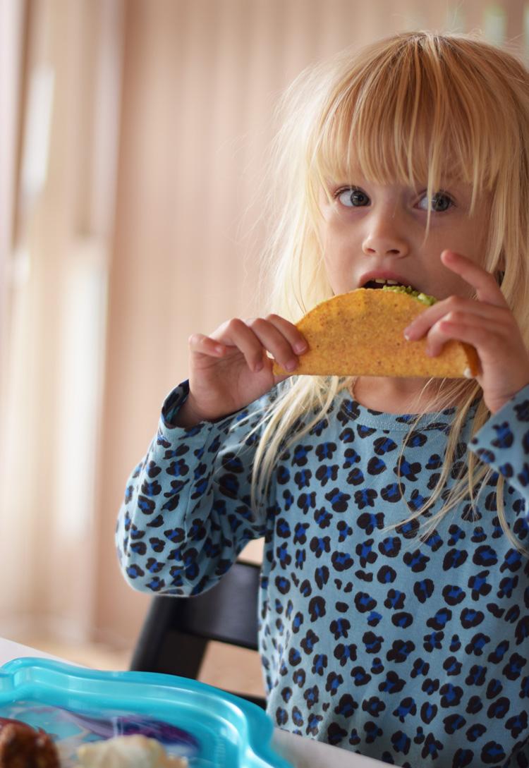 tacos-min-weekend-missjeanett-mini-rodini-kjole