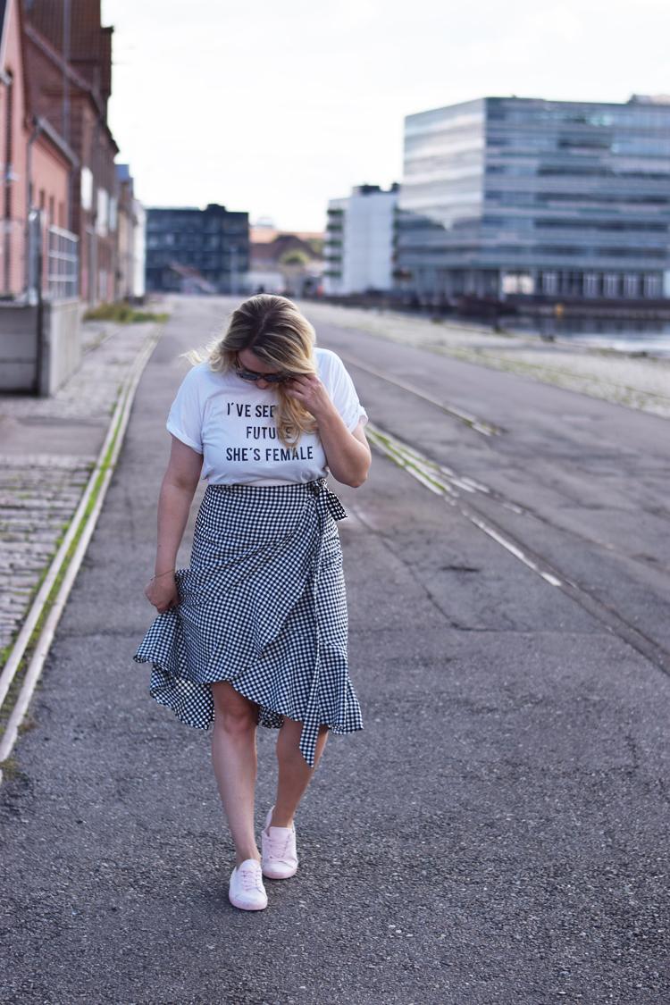 ellos-josefina-nederdel-slaa-om-wrap-skirt-missjeanett-blogger-odensebloggers-odense-havn