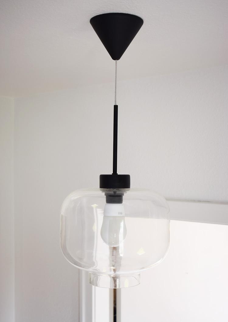 ellos-lampe-sort-glas-missjeanett-entre-gang-lys-enkel-pendel-bolig-indretning-hvid