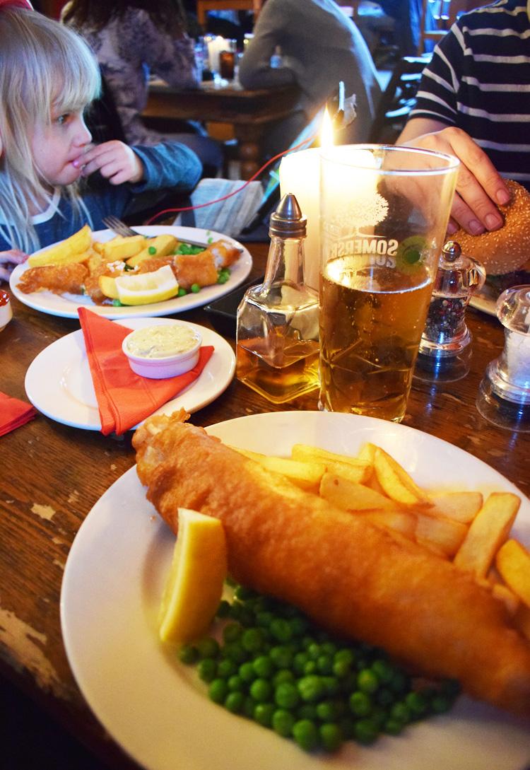 hootananny-inverness-pub-fish-n-chips-missjeanett-scotland-skotland