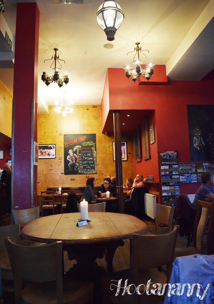 hootananny-inverness-skotland-scotland-missjeanett-blogger-restaurant-pub-road-trip-travel-to