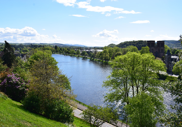 inverness-loch-ness-river-ness-view-from-inverness-castle-missjeanett-travel-guide-blogger