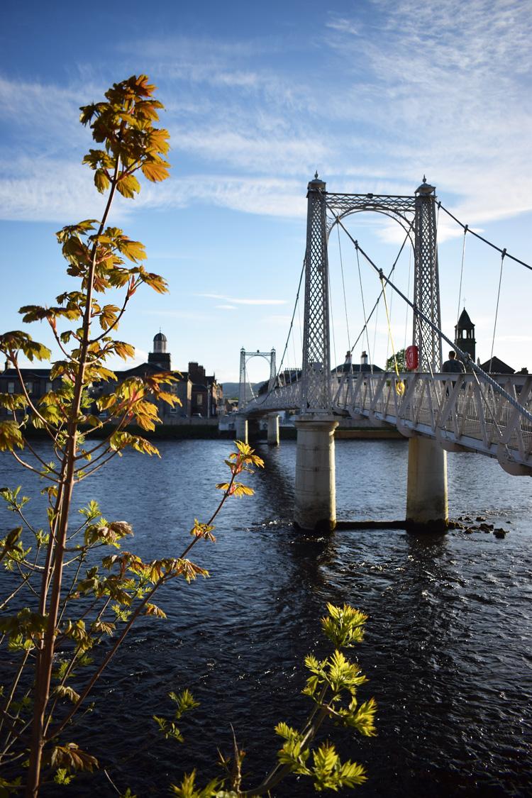 inverness-river-ness-greig-street-bridge-skotland-scotland-road-trip-missjeanett-jeanett-drevsfeldt-blogger-iamt
