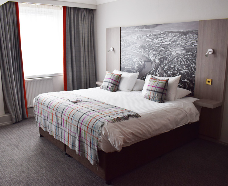 mercure-hotel-inverness-scotland-skotland-big-rooms-big-bed-stor-seng-missjeanett-blogger