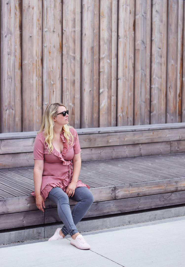 outfit-gina-tricot-missjeanett-odensebloggers-oerestad-wrap-pink-dress-slaa-om-kjole