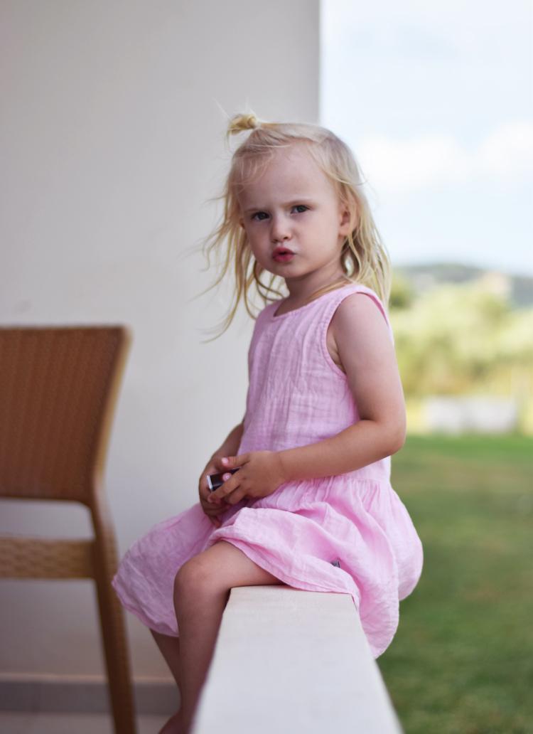 bella-korfu-missjeanett-rejser-wheat-kjole