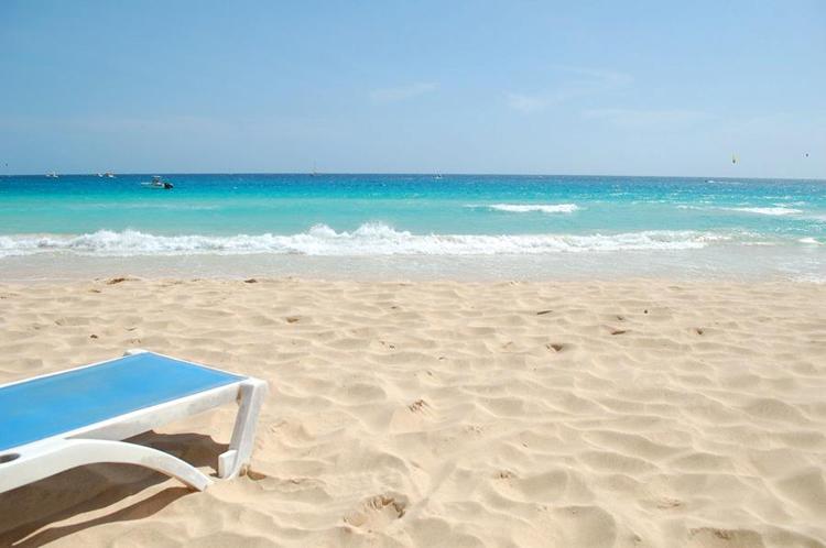 santa-maria-beach-strand-kap-verde-cap-missjeanett