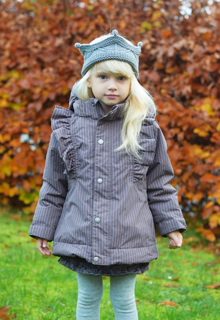 en-fant-vinterjakke-frakke-overtoej-til-piger-lille-mini-a-ture-krone-pandebaand-missjeanett-blogger-mommy