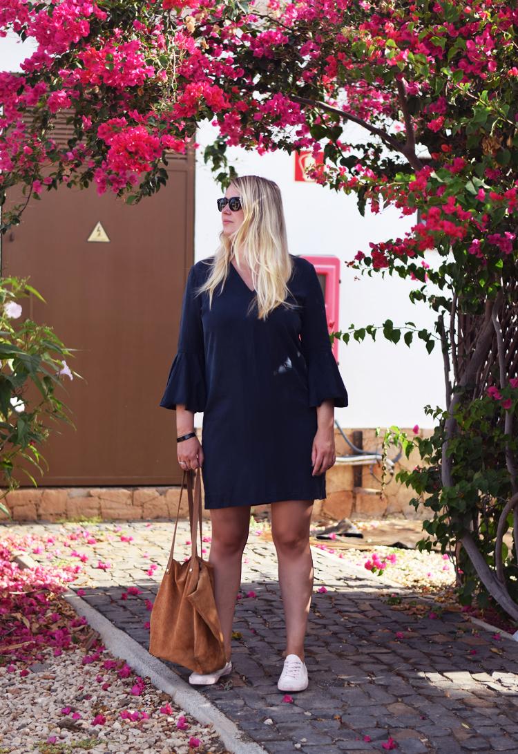 outfit-kap-verde-bourgonvilla-flower-missjeanett-selected-femme-kjole