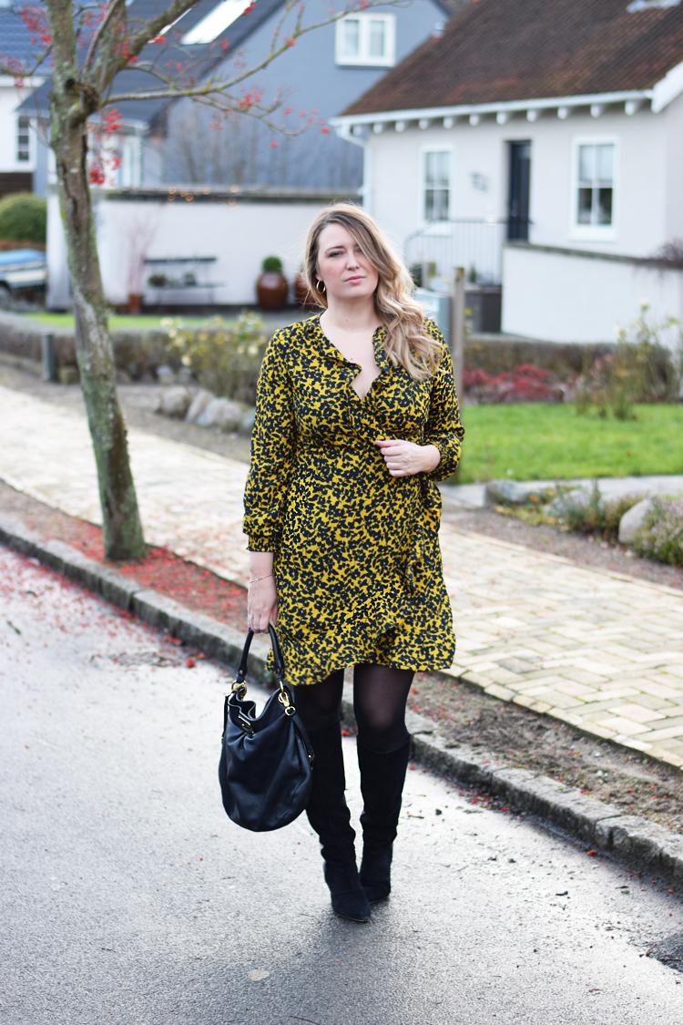 outfit-vero-moda-ny-henna-kjole-vinter-missjeanett-odensebloggers-gestuz-boots-marc-jacobs-hobo-bag-taske-influencer