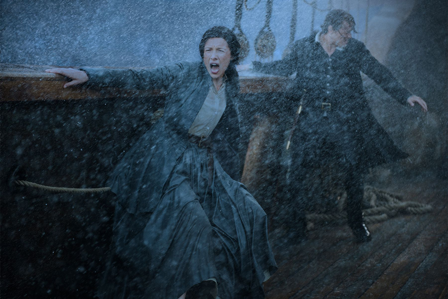 outlander-finale-season-3-new-world-eye-of-the-storm-ship-saeson-3-claire-jamie