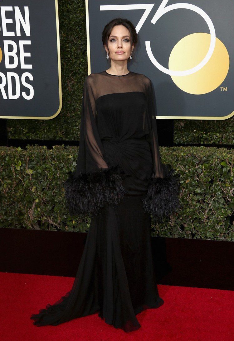 angelina-jolie-golden-globes-2018-worst-dressed