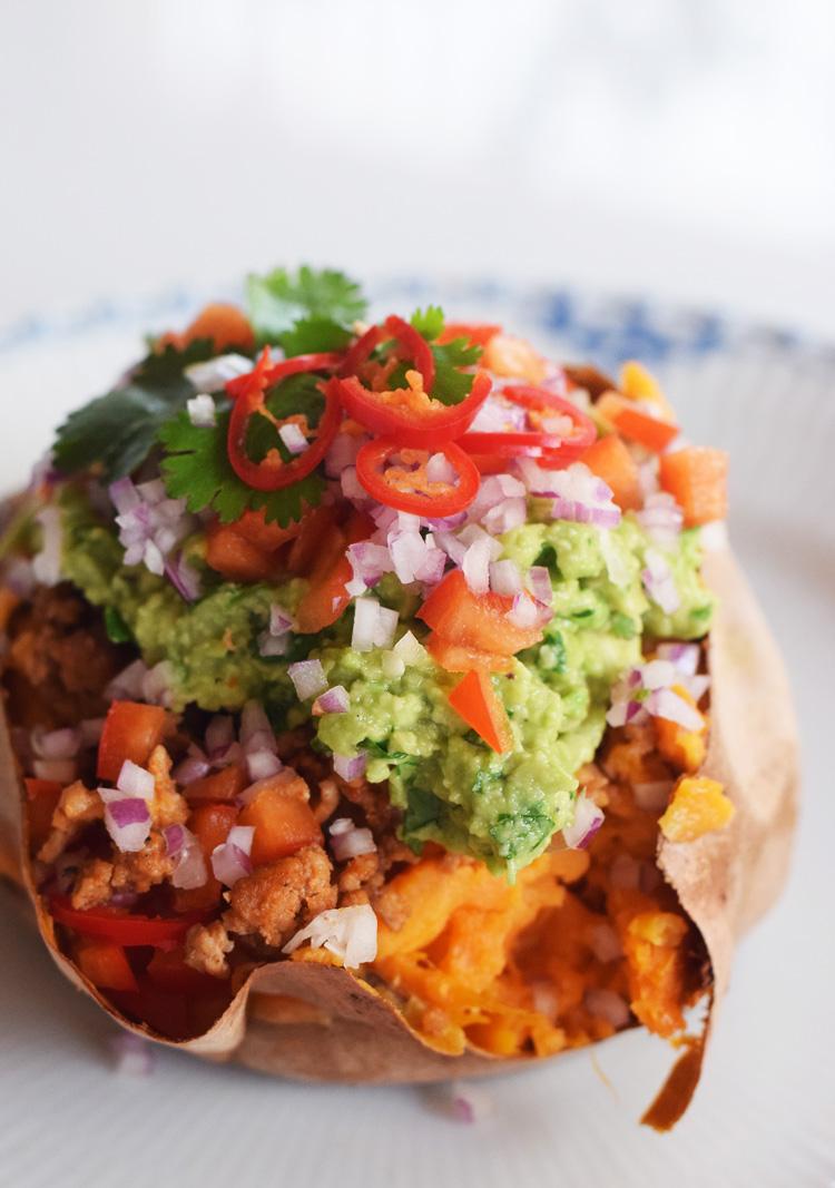 Opskrift - Fyldte søde kartofler med guacamole