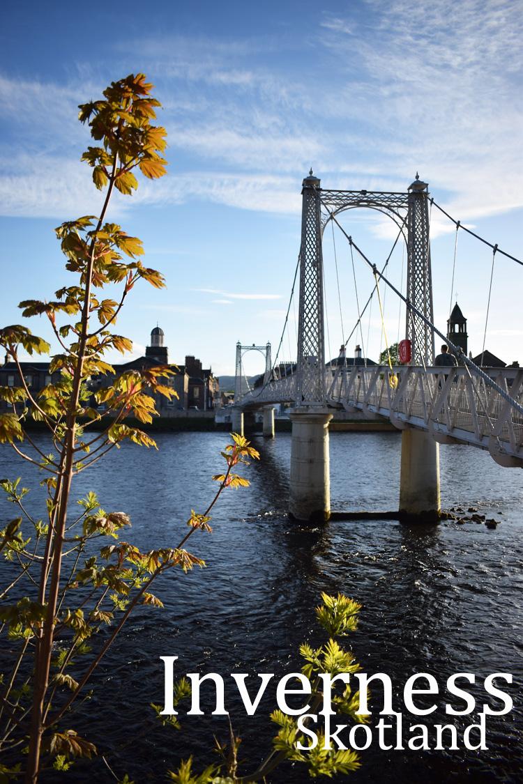 inverness-river-ness-greig-street-bridge-skotland-scotland-road-trip-missjeanett-jeanett-drevsfeldt-blogger-iamt-tekst