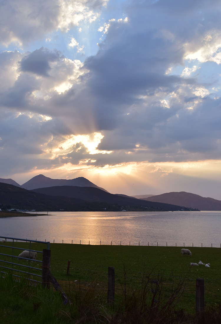 isle-of-skye-sunset-sun-down-road-trip-i-skotland-missjeanett-blogger-scotland-map-route-rute-iamtb-the-highlands-skotske-hoejland