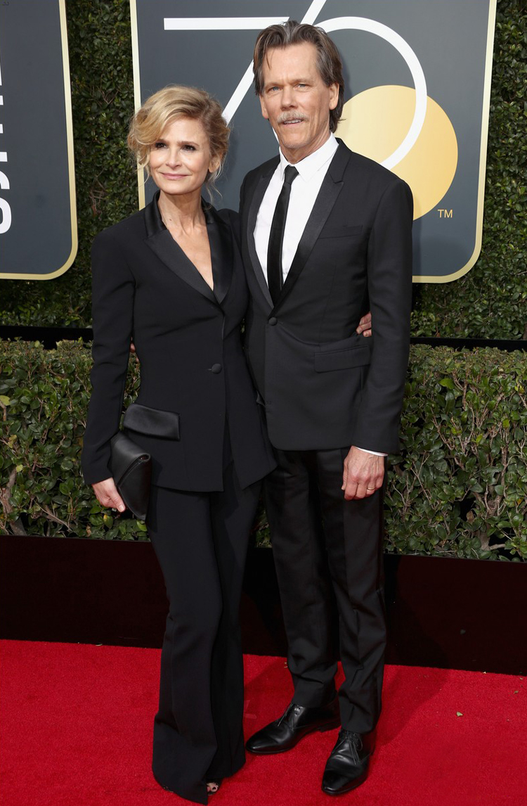 kyra-sedgwick-in-suit-golden-globes-2018