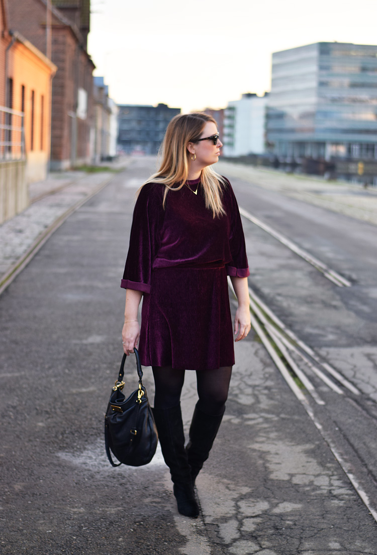 Outfit - Pieces velvet skirt