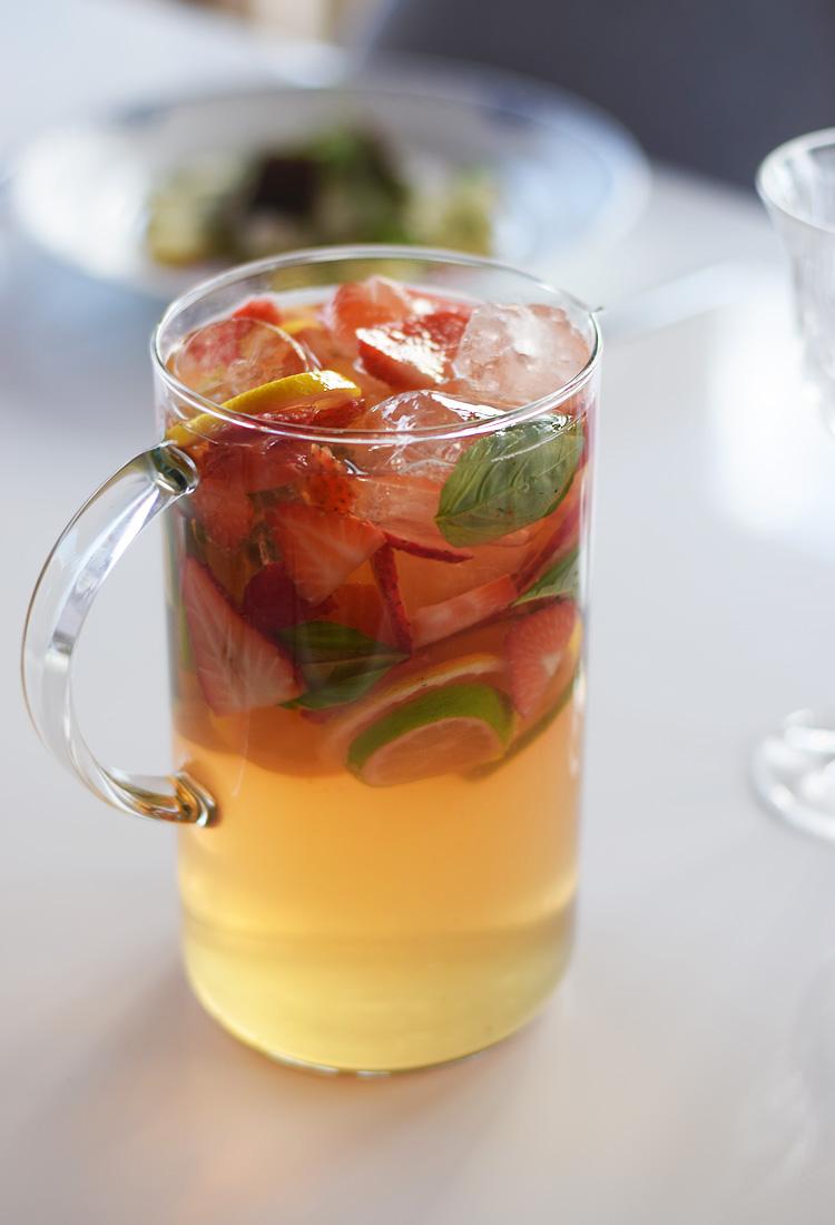 Lemonade med jordbær og lime