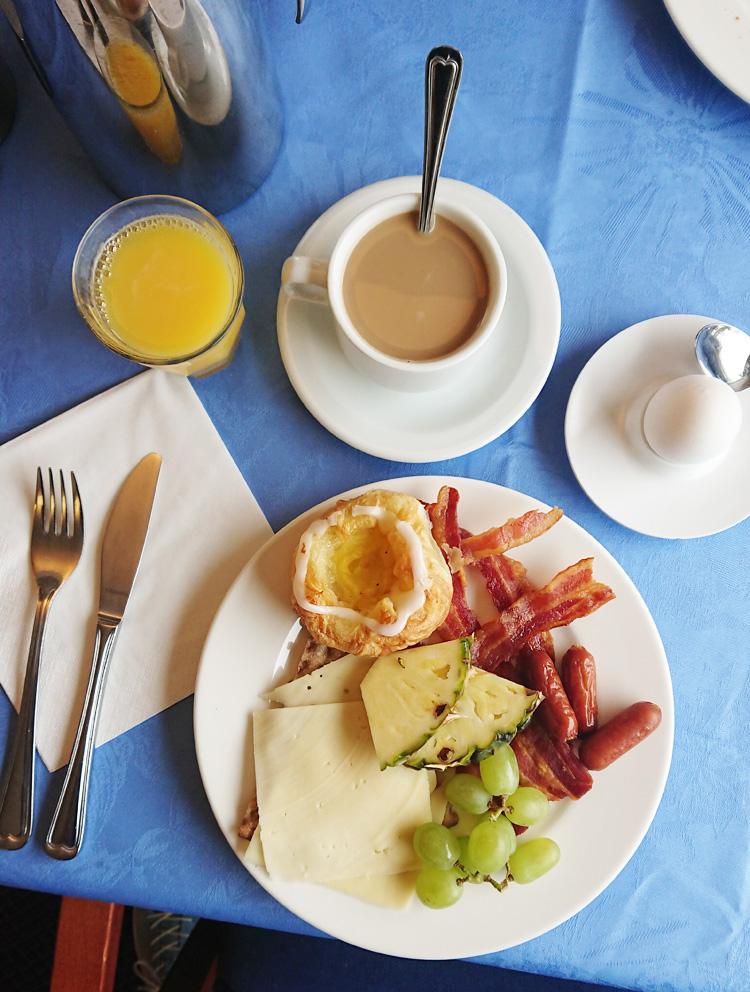 Hotel Balka Strand morgenmad - Bornholm guide og tips