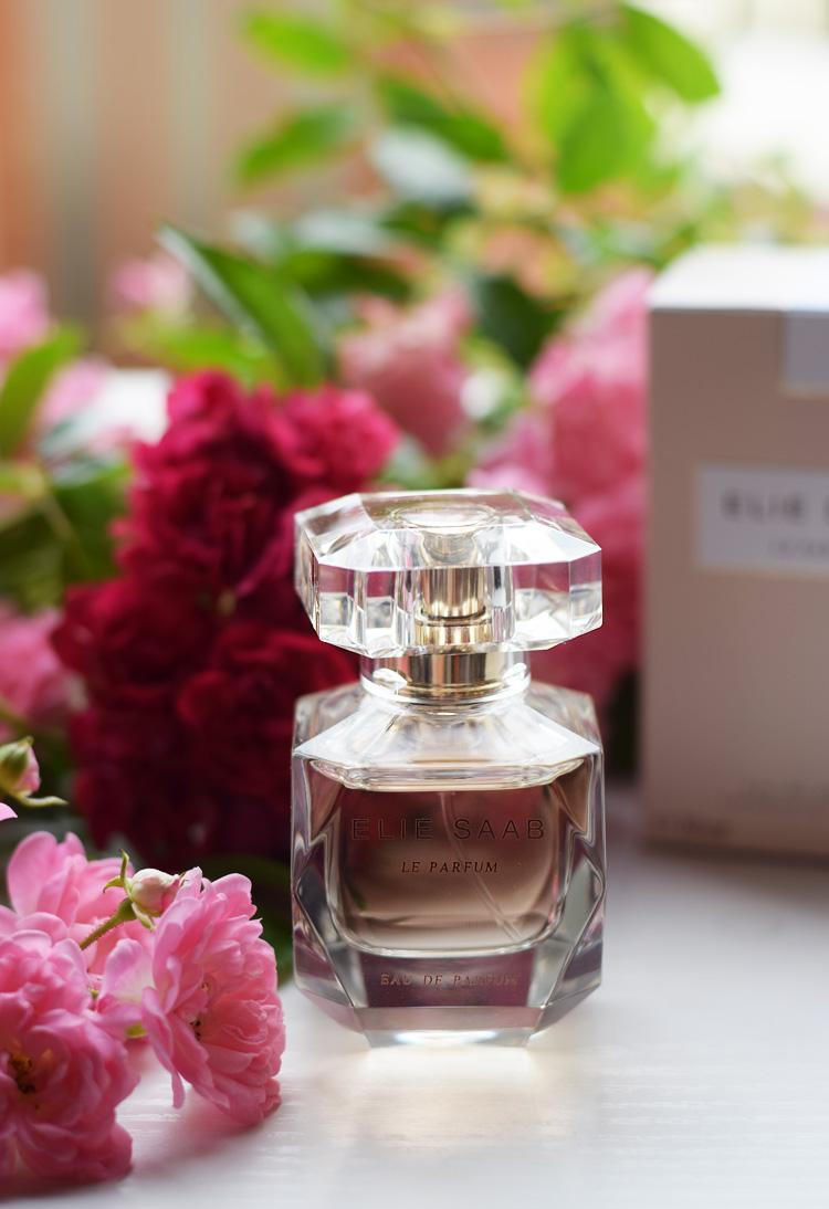 Le Parfum Elie Saab - Bilablau.dk