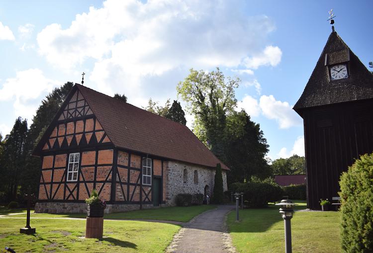 Undeloh St. Magdalenen Kirche - Lüneburger Heide