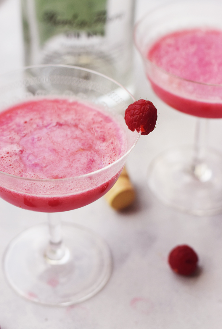 raspberry clover cocktail drinks opskrift