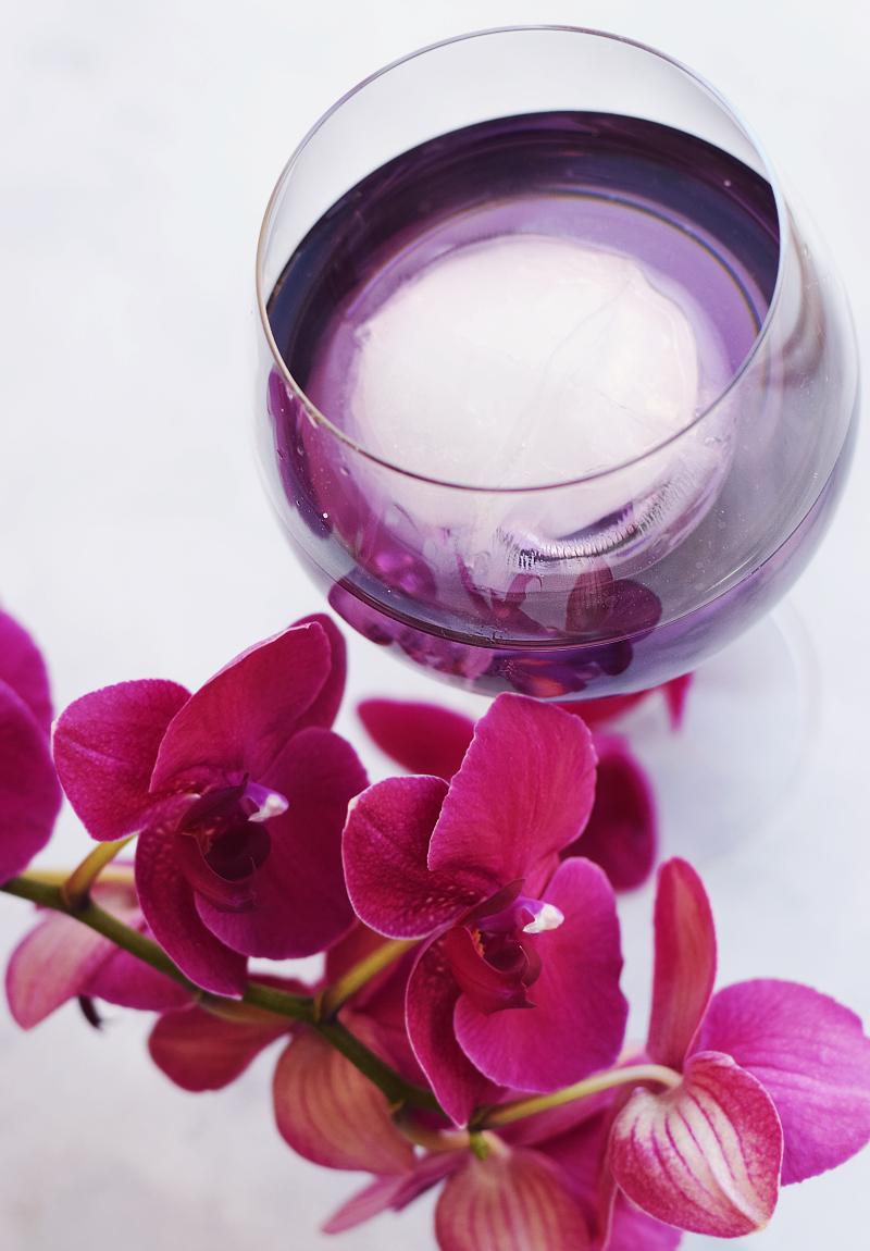 Purple Rain gin cocktail - Monin violette sirup