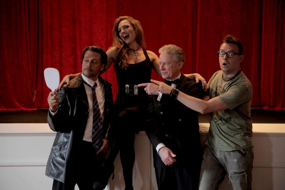 Optagelser på Sengeløse Kro med Julie Steincke og Ole Dupont.
