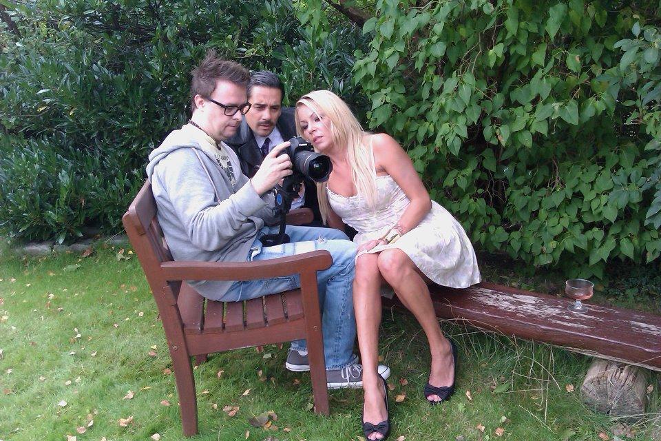Optagelser hos Denis mor med Pernille Gether.