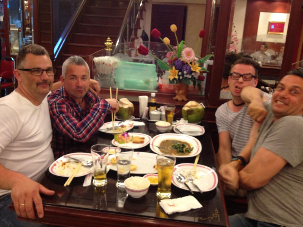 Thailand crewet under en middag