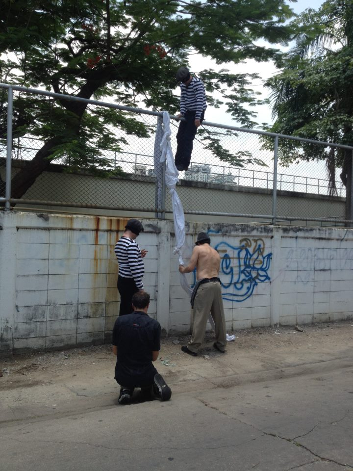 En flugt forberedes fra et fængsel i Thailand - som i virkeligheden var et vandværk...