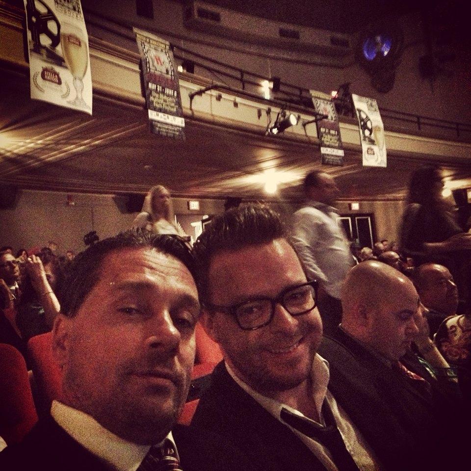 Deni og jeg selv under awardshowet til Hoboken International Film Festival i USA, hvor vi var nomineret til en pris.