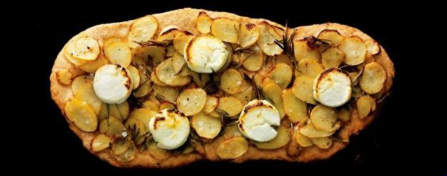 pizza med kartofler og gedeost