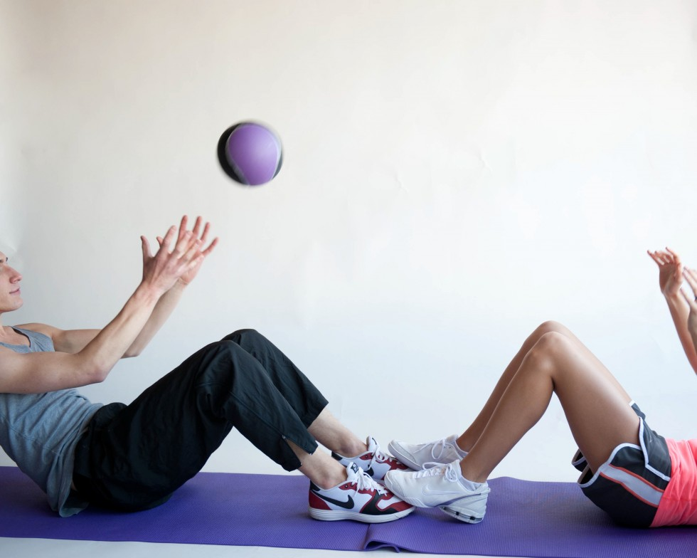 Perform-the-Medicine-Ball-Sit-up-Exercise-Step-5