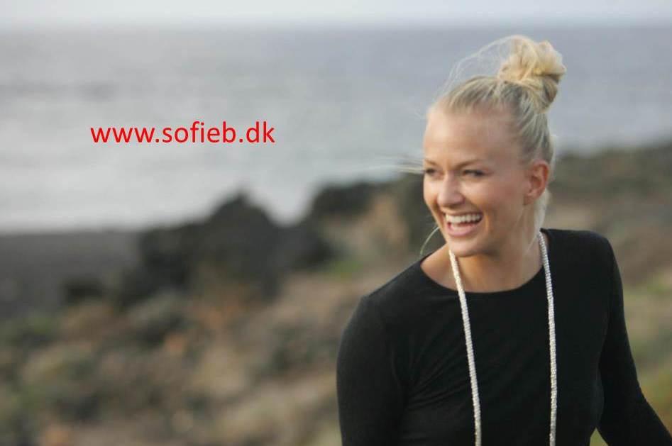 SofieB - den skønne og dygtige ophavskvinde bag FrækFittness - se mere på hendes hjemmeside!