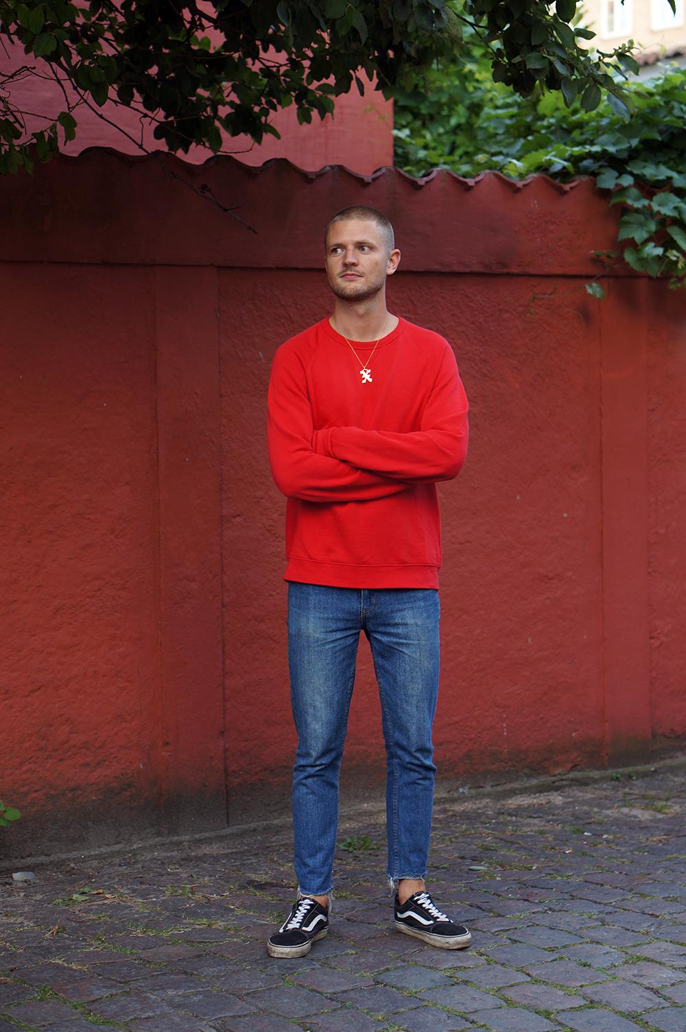 red sweatshirt (4)a