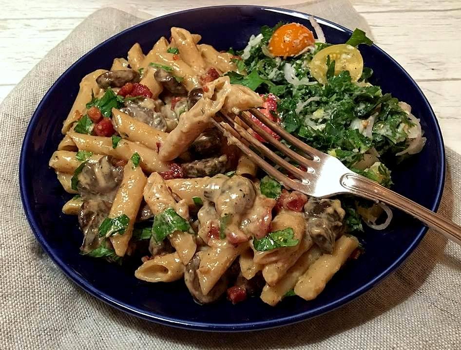 pasta-med-markchampignons-tall-mv