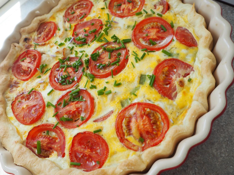 tærte-med-kylling-og-tomat