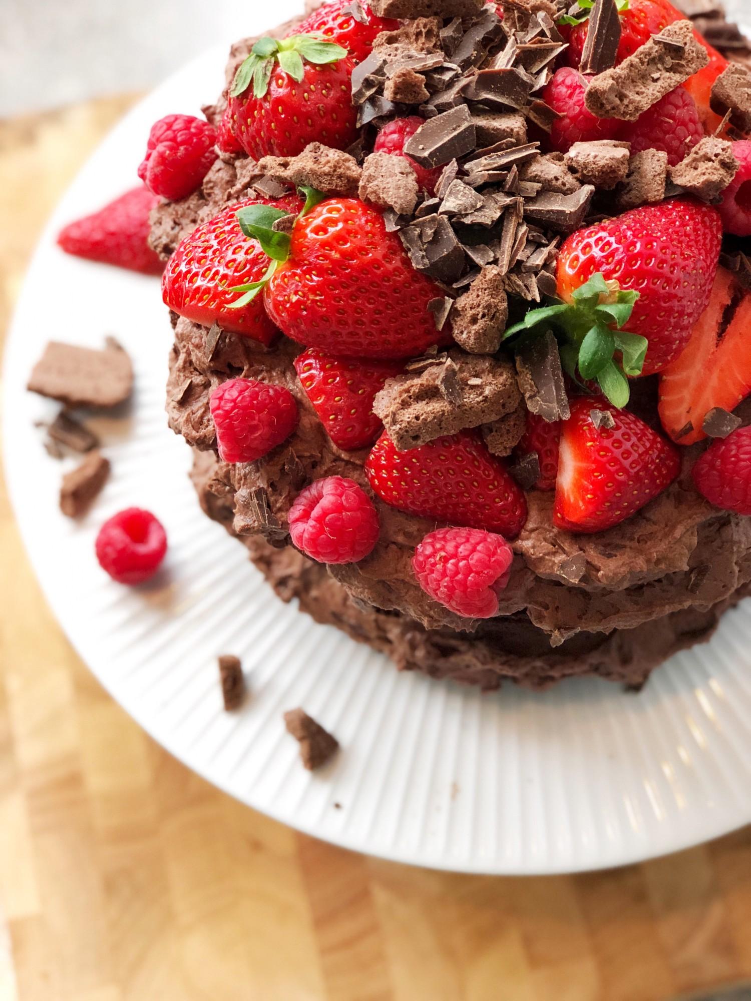 Chokoladebombe Black magic cake opskrift