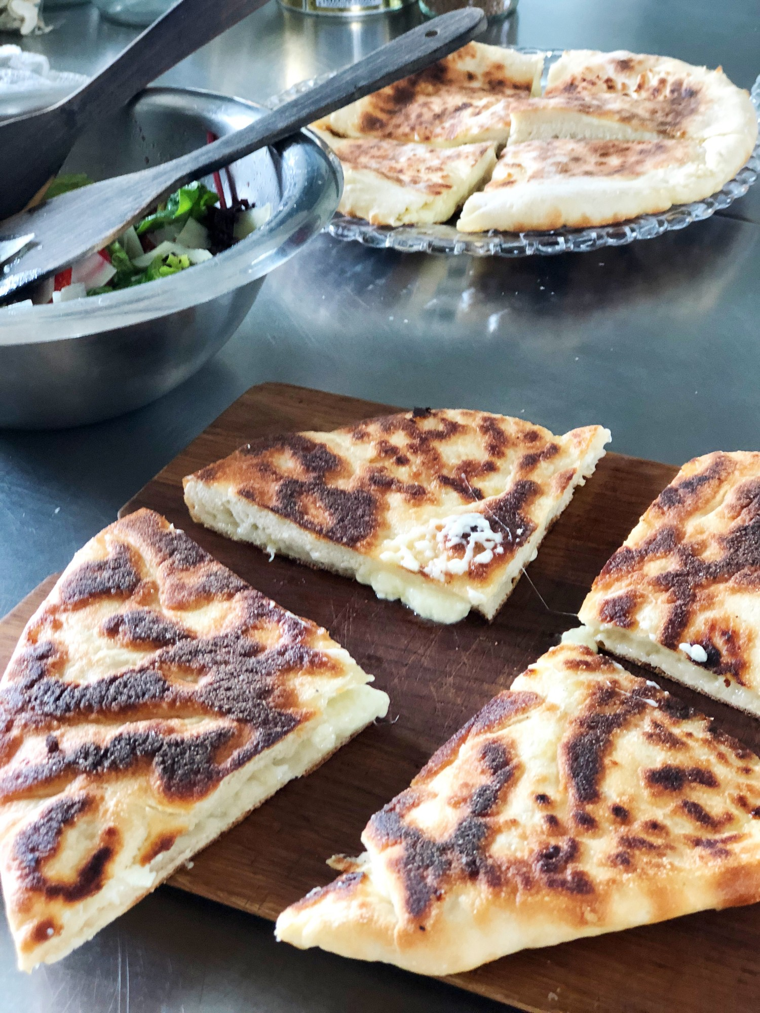 Khachapuri - georgiansk ostebrød