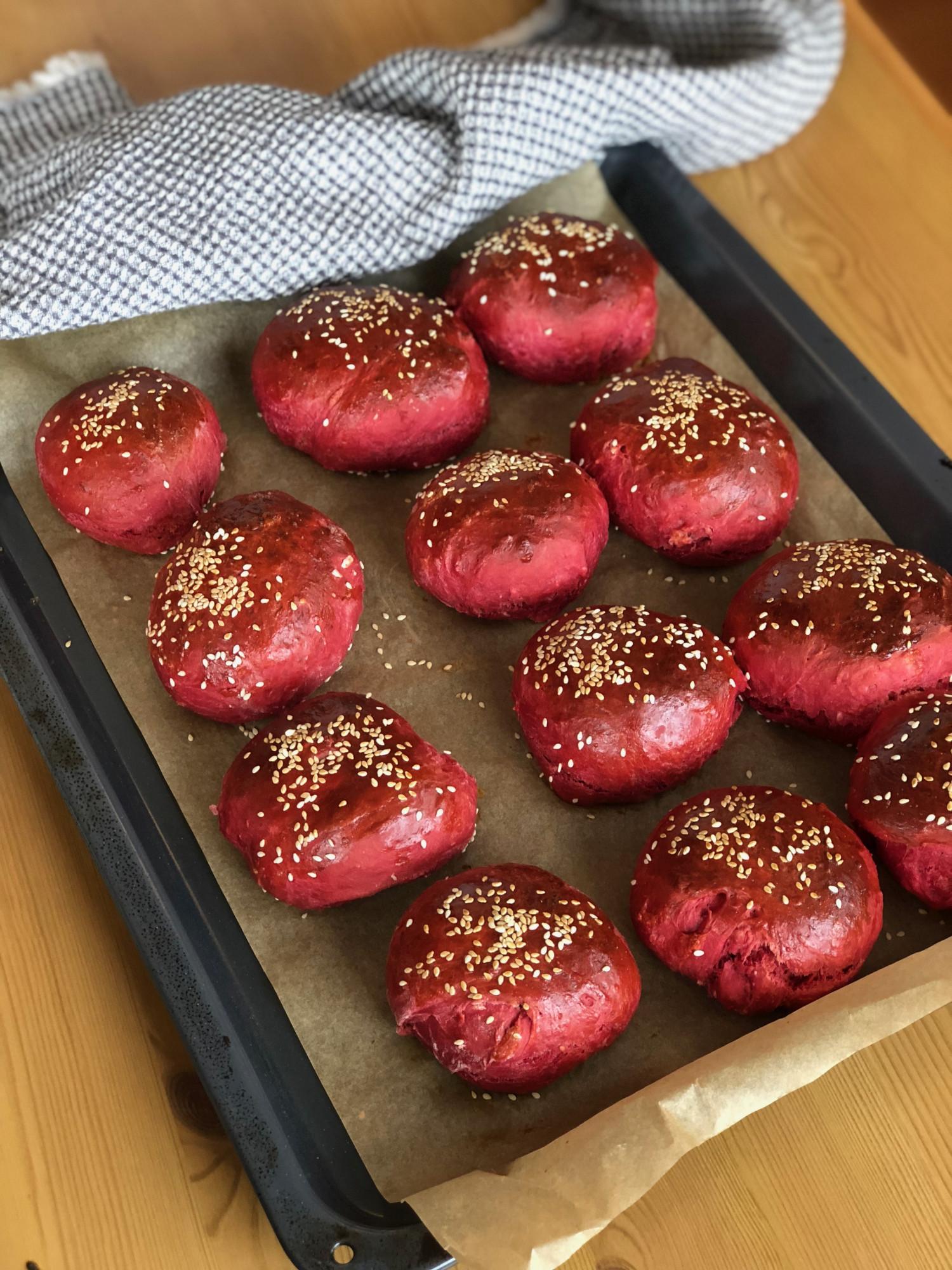 burgerboller med rødbede opskrift