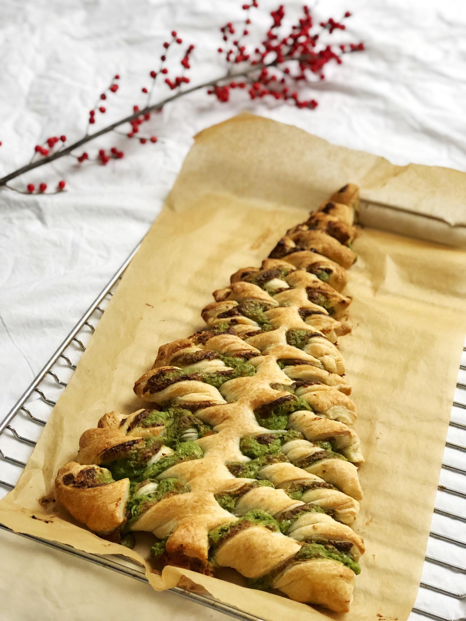Juletræ af butterdej