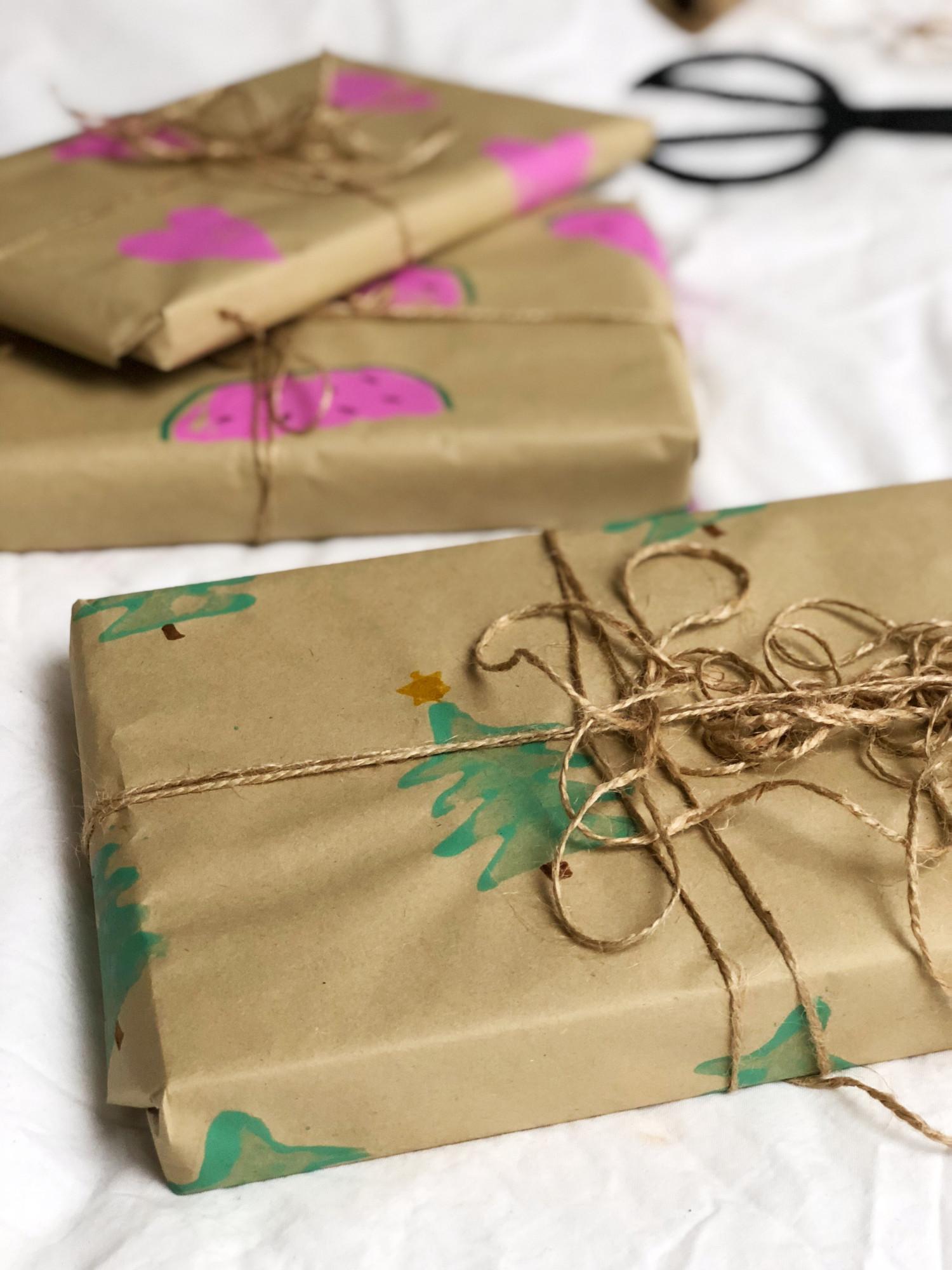 julepapir lav selv med kartoffeltryk