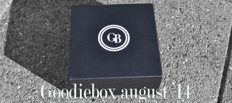 goodieboxindholdaugust2014_zps5e49a15f