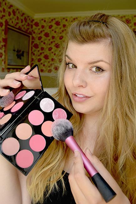 makeup-revolution-london-ultra-blush-palette-sugar-and-spice-anmeldelse_zpsrrmjang4