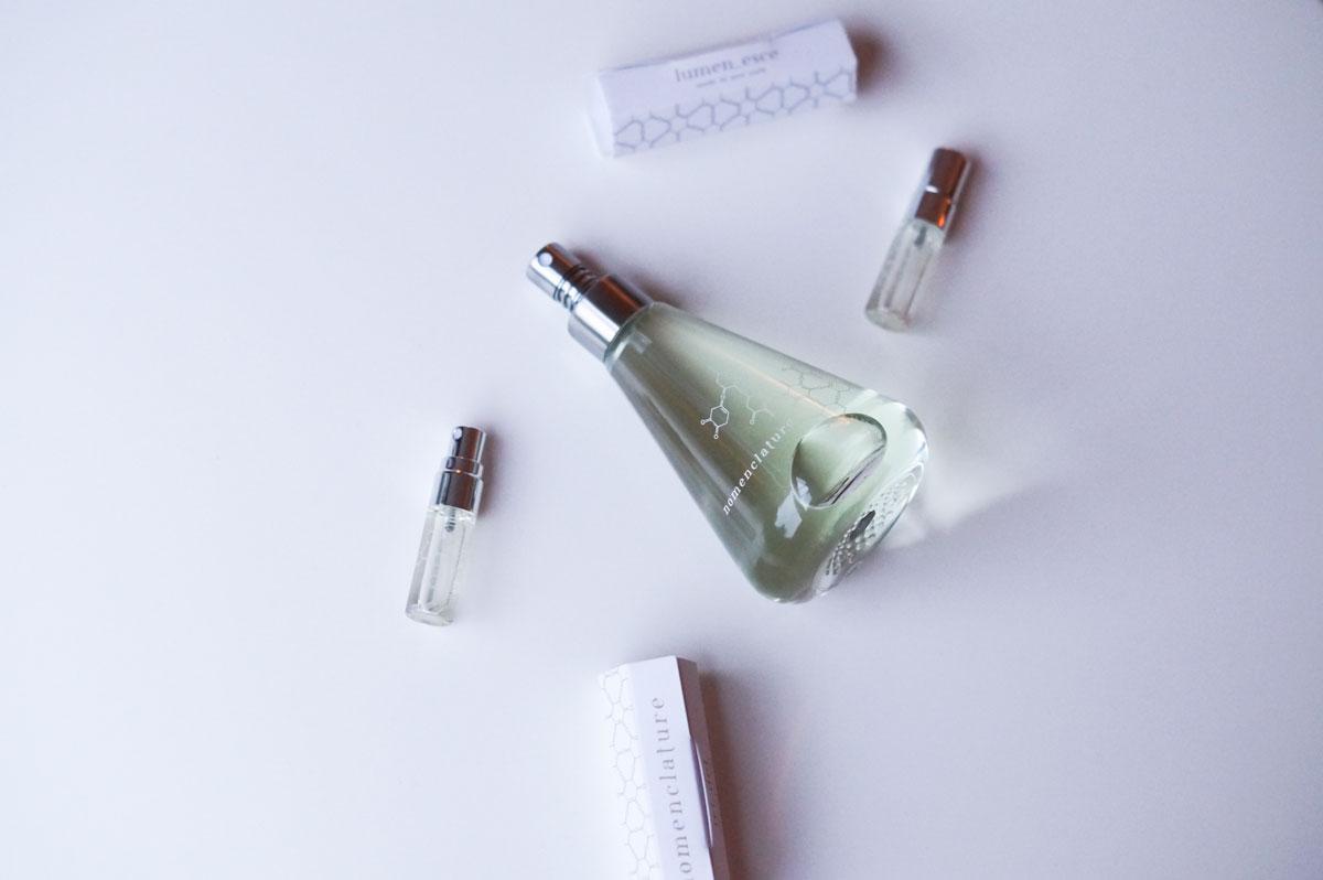 Nomenclature Shi_sõ, Nomenclature, Shi_sõ, shiso, unisex, nicheparfume, niche perfume, synthetic perfume, perfume, parfume, citrusduft, citrus, frisk, fresh scent, frisk parfume, shiso, efeu, kardamomme, spearmint, verbena, solbær, blog, blogger, skønhedsblog, beauty blog, camilla nørgaard, camilla nørgaard christensen, camillanoergaard.dk, bloggers delight, skønhed, duft, nyhed